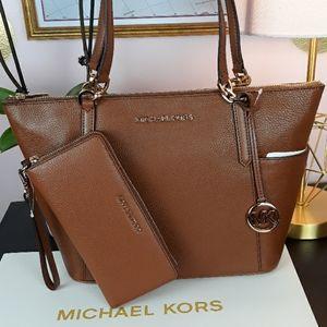🎁🆕️NWT MK Luggage Pebble Leather Matching Set